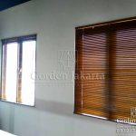 model venetian blinds dari kayu