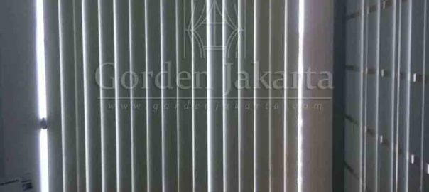 Contoh Vertical Blinds Blackout Sp.6066-2 Warna Cream Di Tanah Abang Q3450