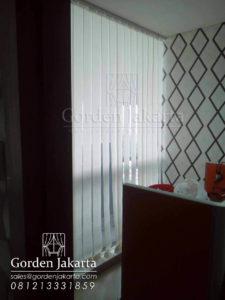 model-gorden-kantor-vertical-blinds