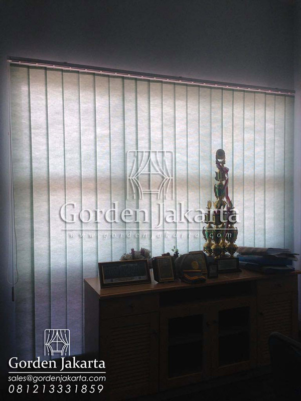 Produksi Vertical Blinds Warna Hijau Semi Blackout Sp. 8370 - 5 di Manokwari