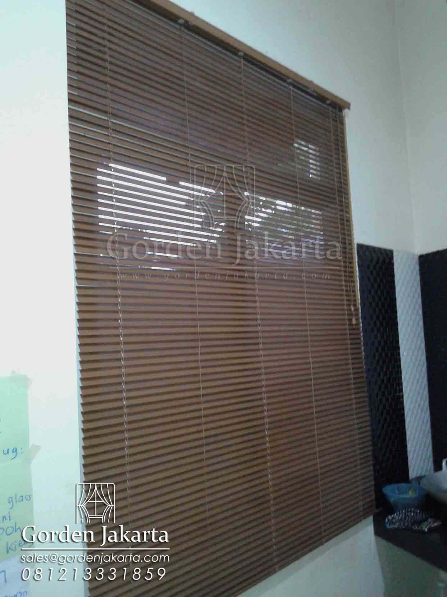 jual venetian blind online di blinds jakarta