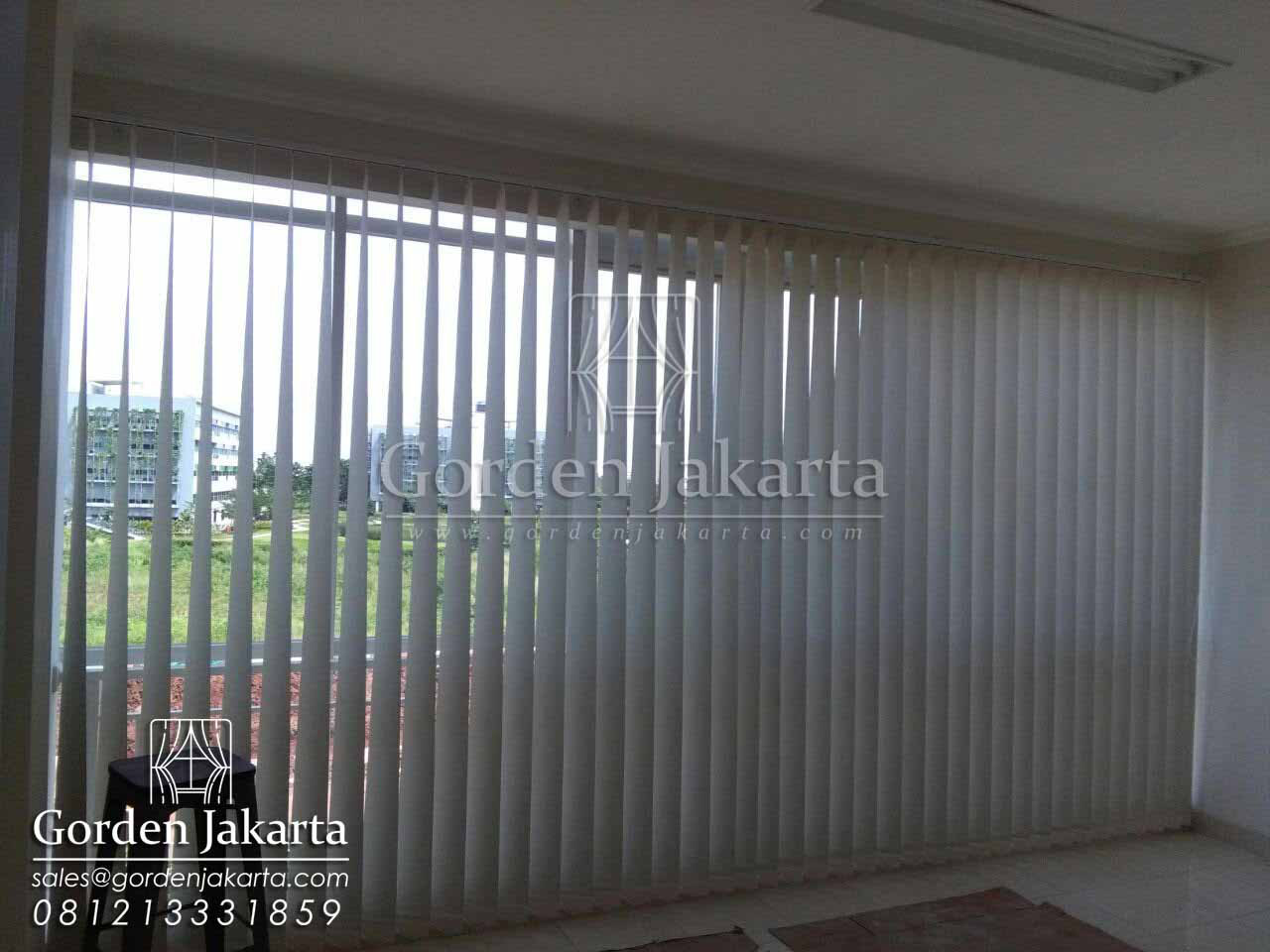 jual vertical blind sp 8370 semi blackout