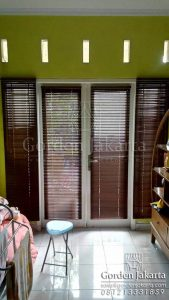 Harga Wooden Blinds 25mm Series Honey Oak