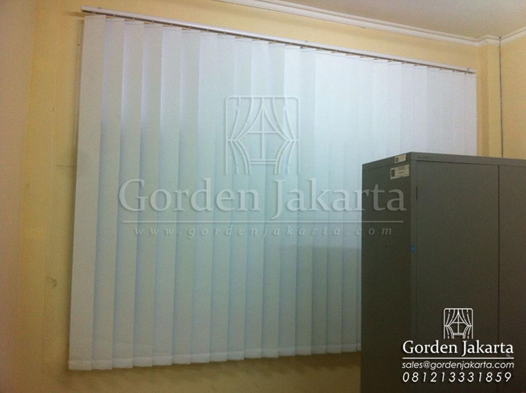 Vertical Blinds Blackout Sp 6045 - 10 White by Blinds Jakarta Q 3424