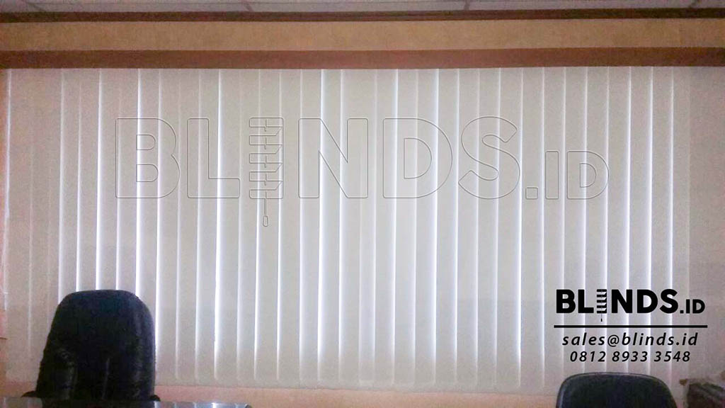 contoh vertical blind blackout Sp. 200 - 2 warna beige Q3569
