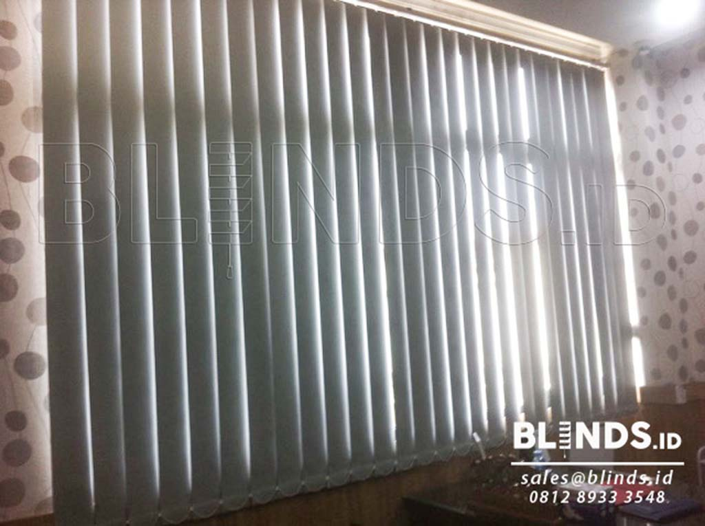 produksi vertical blinds blackout sp . 6046-5 grey di tanjung priok