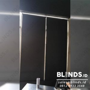 Contoh Roller Blinds Blackout Superior Hitam Sp.6045-9 Di Woltermonginsidi id4048