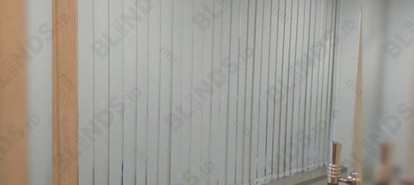 Vertical Blinds Blackout Sp 200-2 Beige Pasang Di Warung Jati Q4039