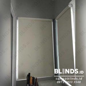 contoh roller blinds blackout superior sp.6077-2 coconut di Kota Wisata Cibubur id4076