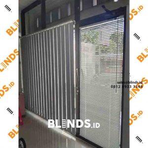 white blackout vertical blinds sp.200 di Tanah Merdeka Kampung Rambutan id4114