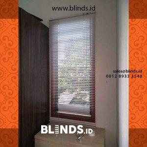 contoh venetian blinds aluminium putih slat 25mm project di Cipayung id4236