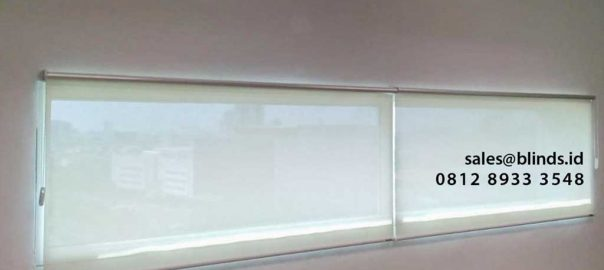 contoh roller blinds solar screen warna putih di springhill office id4329