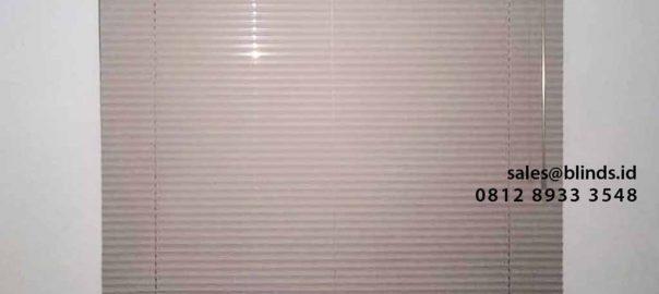 tirai kantor model horizontal bahan aluminium deluxe slatting di puri bintaro id4331
