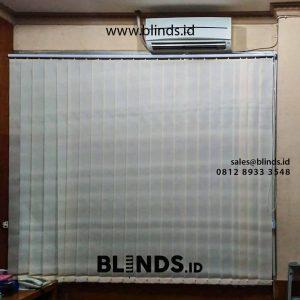 contoh tirai vertical blinds dimout beige di rawa gelam id4325