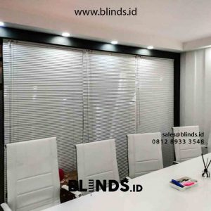 contoh venetian blinds sharp point deluxe slatting di kemayoran id4221