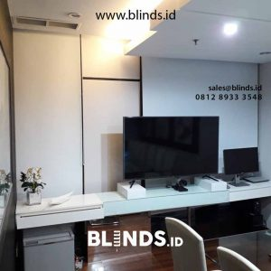 gambar roller blinds bahan blackout super quality warna putih id4523