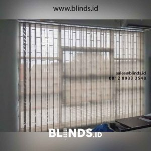 contoh vertical blinds solar screen grey kombinasi white id4754
