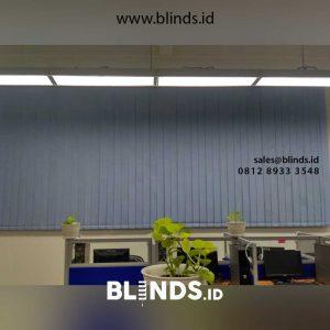 harga vertical blinds semi blackout sharp point id4576