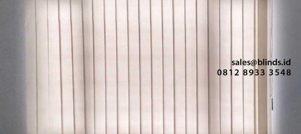 jual vertical blinds bahan dimout warna abu - abu di Cikini id4561