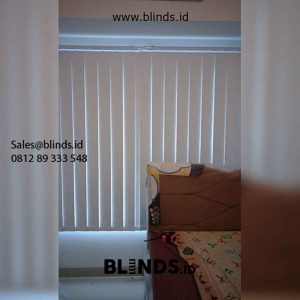 Contoh Vertical Blinds Blackout Warna Beige Pasang Apartemen Citra Living Kalideres id5494