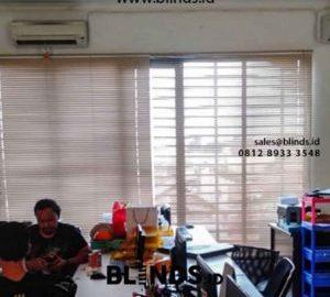 Custom Tirai Venetian Blinds Aluminium Desain Modern id5467