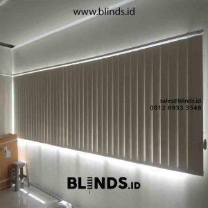 Tirai Kantor Vertical Blinds Bahan Blackout Beige Di Cakung Jakarta Timur id5478