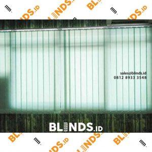 Jual vertical blinds warna hijau bahan dimout custom
