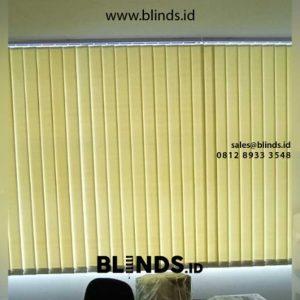 Tirai kantor Vertical Blinds Semi Blackout Hijau id5490