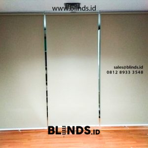Pasang gorden Roller Blinds Blackout Coklat Susu id5259