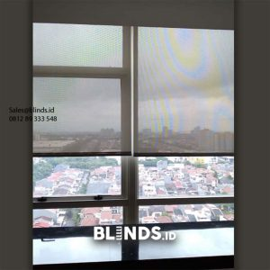 Roller Blinds Solar Screen Sp 4000-3 White + Grey The Kensington Royal Suites Kelapa Gading Id6095